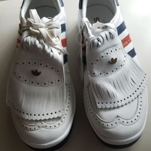 NEW and Rare Adidas country club trainers